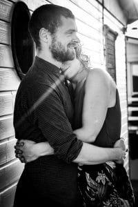 couple noir et blanc rayon soleil Gruissan